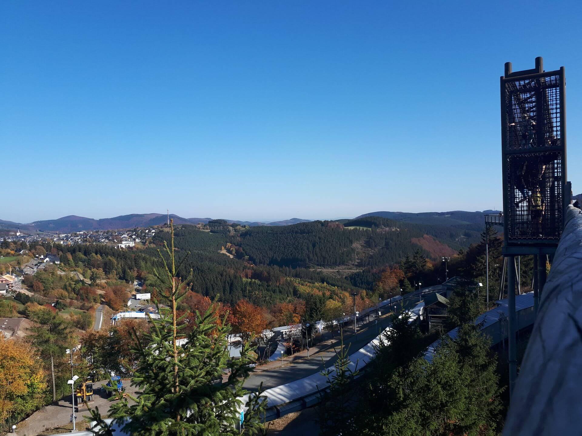 Aussicht Natur von der Panorama Erlebnis Brücke in Winterberg