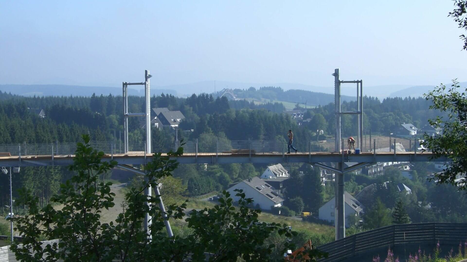 Bau der Panorama Erlebnis Brücke in Winterberg