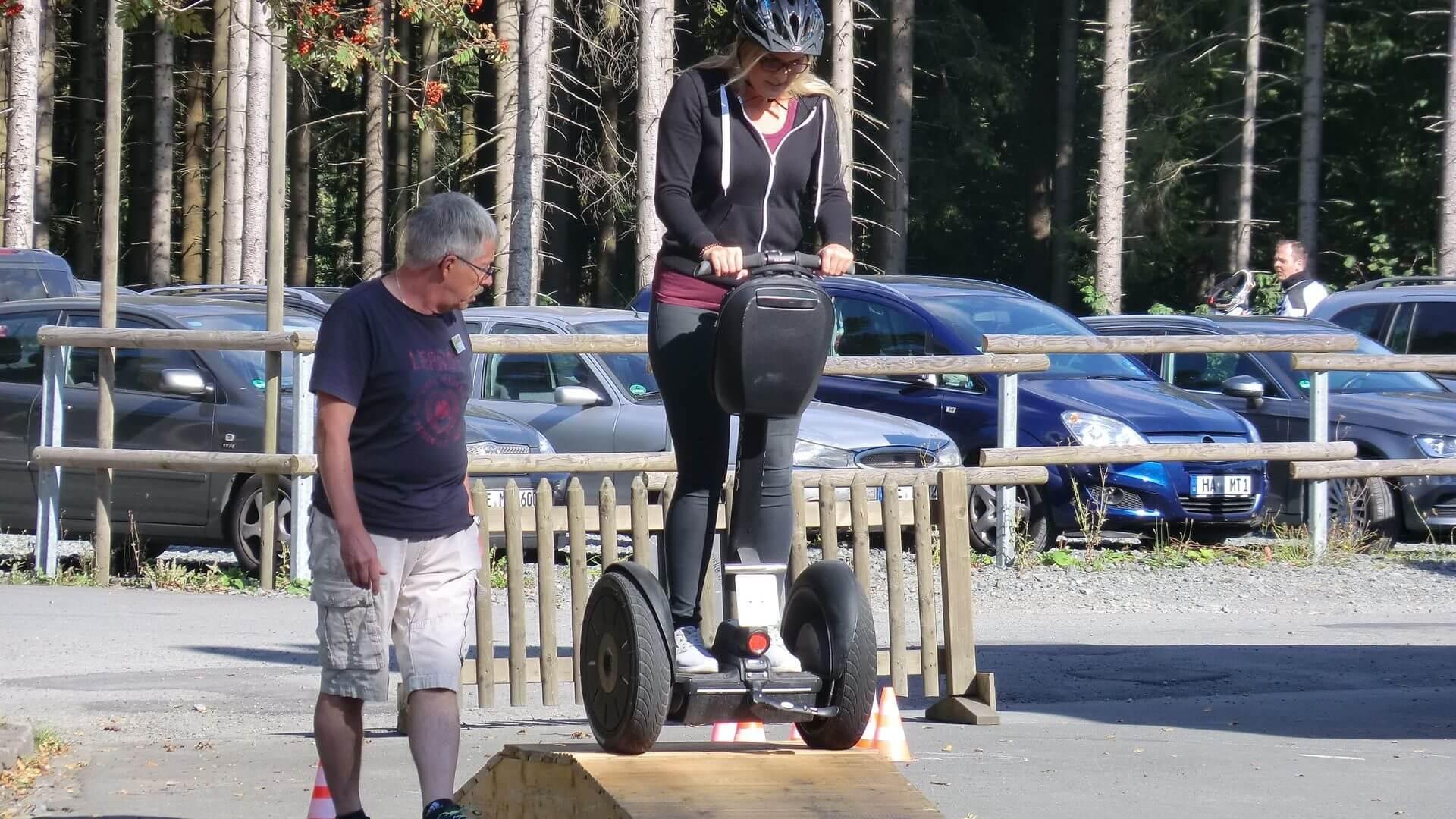 Sportlich aktiv Segway Fun Parcours in Winterberg am Erlebnisberg Kappe